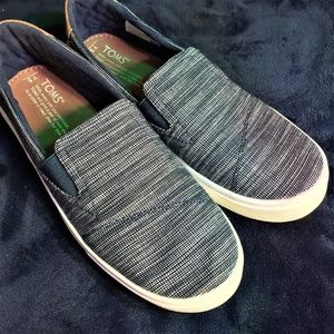 Toms Navy Blue & White Slip-On Tennis Shoes